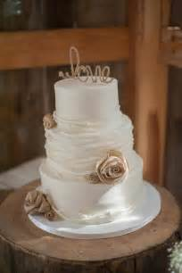 barn cake topper 17 best ideas about rustic wedding cakes on