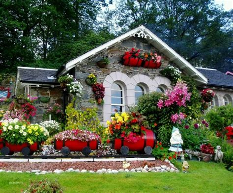 pictures  beautiful gardens  small homes