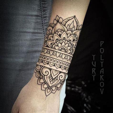 mandala handgelenk afbeeldingsresultaat voor mandala voet tattoos