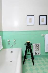 la salle de bain verte idees deco bricobistro With salle de bain vert d eau