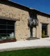 renovation d39une maison pierre alu glass With maison bois et pierre 2 renovation dune grange en maison dhabitation bois2boo