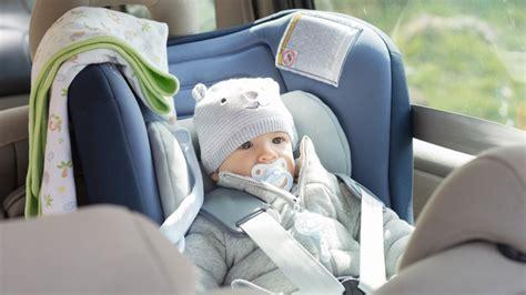 quand changer de siege auto quand changer les accessoires du siège auto et poussette
