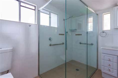 prezzi docce box doccia per disabili prezzi modelli e consigli