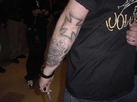 tatouage hetfield metallica tatouage edge school et religieux