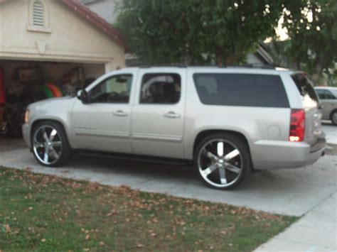 2009 Chevrolet Suburban by 2009 Chevrolet Suburban Information And Photos Zombiedrive