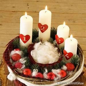 Adventskranz Rot Selber Machen : adventskranz rustikal selber machen basteln floristik basteln ~ Markanthonyermac.com Haus und Dekorationen