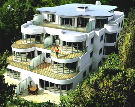 Most Famous Ultra Modern Architecture In The World