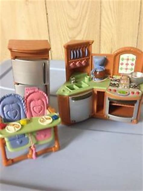 loving family kitchen furniture fisher price dollhouse furniture kitchen bathroom accessories loving family on popscreen
