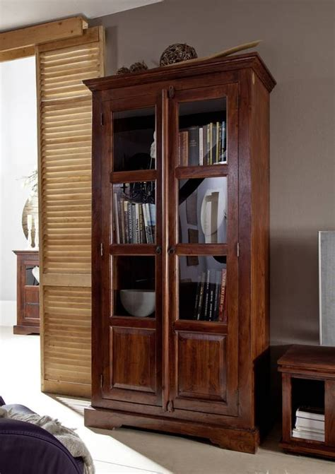 pinienmöbel gekälkt und gebürstet vitrine akazie bestseller shop f 252 r m 246 bel und einrichtungen
