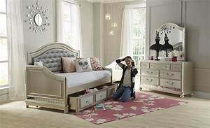 Samuel Lawrence Lil Diva Tufted Daybed W Trundle