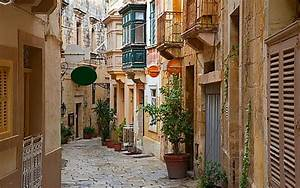 Malta Real Estate Take Your Pick From Quaint Town Houses