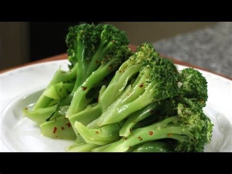 Steamed Broccoli Salad
