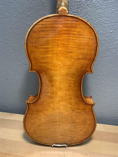 Our big selection makes finding the perfect instrument rental easy. Andrzej Swietlinski Violin - Fegley Instruments & Bows