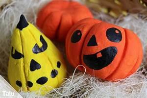 Halloween Basteln Gruselig : basteln an halloween anleitung f r 11 bastelideen ~ Whattoseeinmadrid.com Haus und Dekorationen