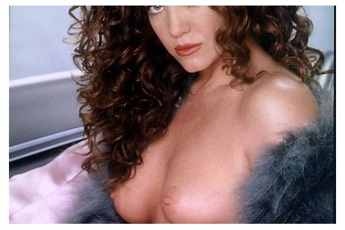 claudia-christian-naked-playboy-pictures-brunette-tight-ass