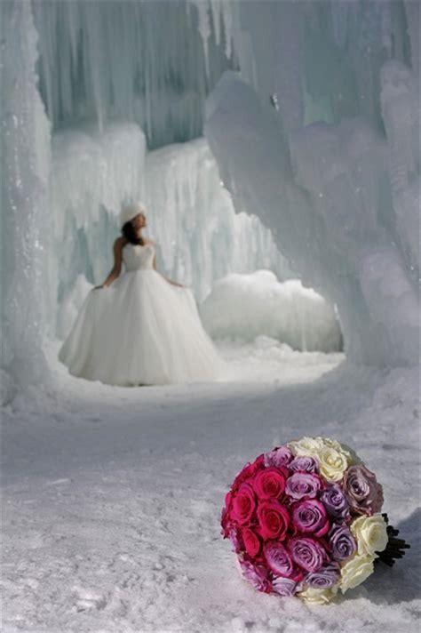 extreme wedding     cliff edge wedding journal