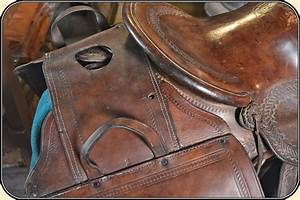 Z Sold Antique Old West Doctor Leather Saddlebags