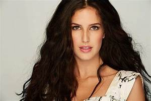 Katrina Kaif's sister Isabelle will be the new face of Lakme