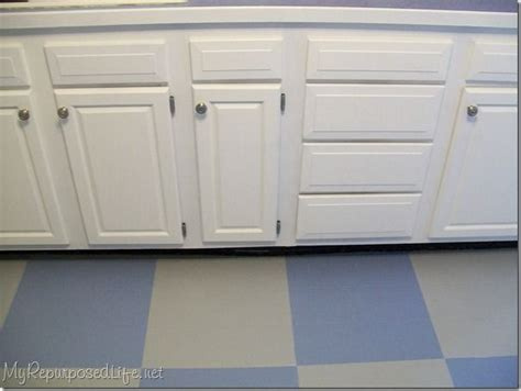 how to paint oak cabinets detailed how to paint cabinets for the home pinterest