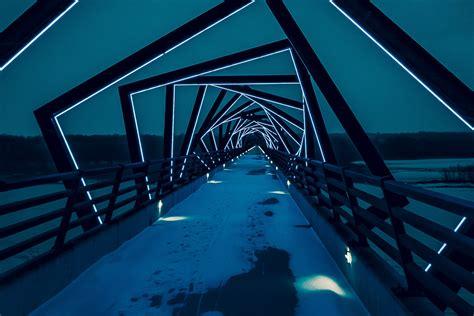bi tools bridge  gap  analytics