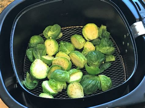 sprouts brussels air fryer crispy garlic pepper powder salt seasoned sprout oven flakes chili toss olive oil optional certainly