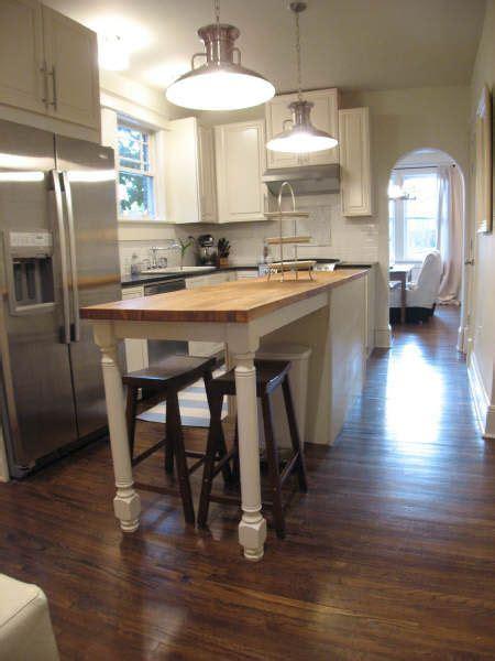 craftsman kitchen island 25 best ideas about bungalow kitchen on 2986