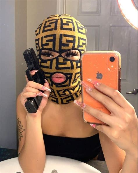 Pin By ᴾᴿᴬᴰᴬᴹᴱ On Mirror Flicksss In 2020 Mask Girl Ski