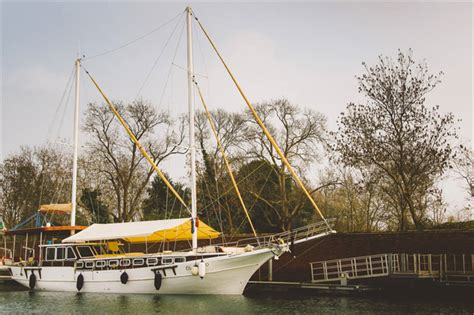 Airbnb For Boats Amsterdam by Escape The Mainland With These 15 Airbnb Boats Travel