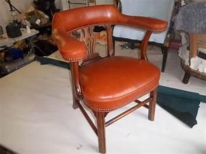 Fauteuil Cuir Bureau : fauteuil bureau cuir dabovilletapissierpau ~ Teatrodelosmanantiales.com Idées de Décoration