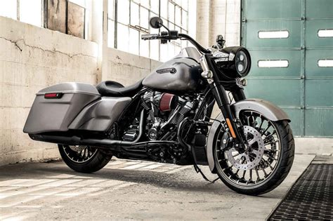 Harley-davidson 2017 Road King Price Specs Review