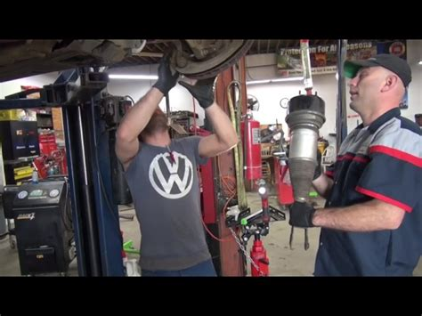 Us Town Charlottesville Embraces Refugees, Auto Shop