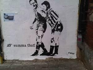 Street Art Gets Political | HOOYOO