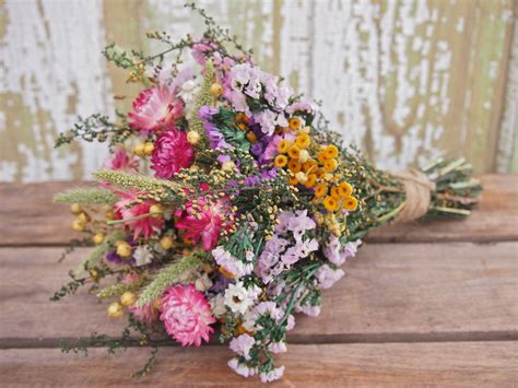 field flower bridesmaid dried flower bouquet