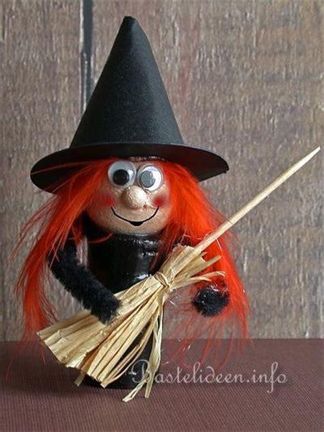 basteln zu halloween mit kindern eine hexe aus