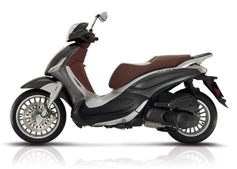 Review Piaggio Beverly 2017 piaggio beverly 300 review