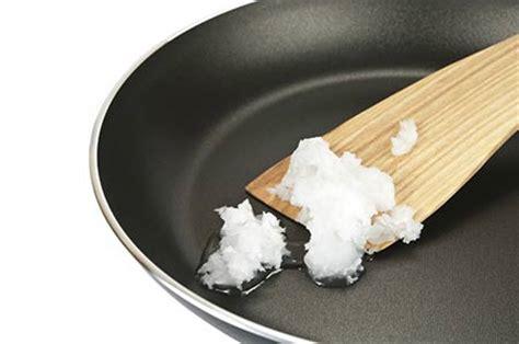 huile coco cuisine huile de coco la surprenante vérité sur la santé et pour