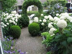 les 112 meilleures images du tableau amenagement massif With lovely amenagement petit jardin avec terrasse 8 bassin deau dans le jardin 85 idees pour sinspirer