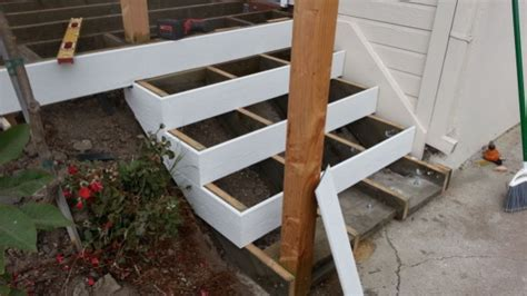 Corner Deck Steps by Trex Stairs Question Decks Amp Fencing Contractor Talk