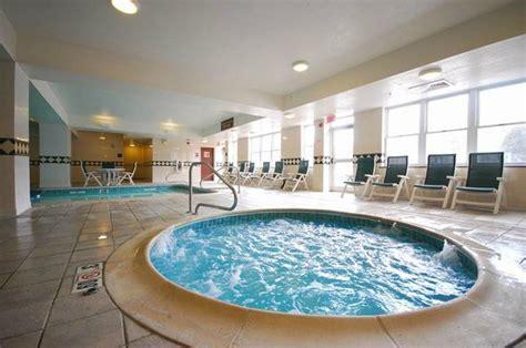 Comfort Inn St Johnsbury - comfort inn suites near burke mountain 170 2 2 9