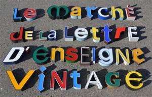 Enseigne Lumineuse Vintage : des lettres d 39 enseigne vintage lettres d pareill es lumineuses typo lettres pinterest ~ Teatrodelosmanantiales.com Idées de Décoration