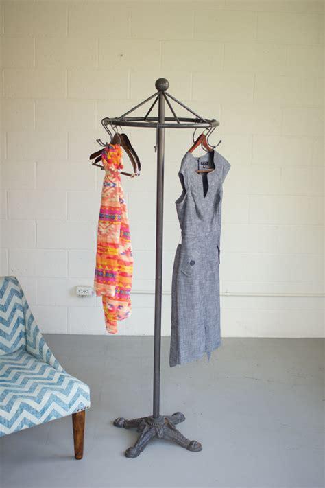 iron spinning clothes rack  cast iron base