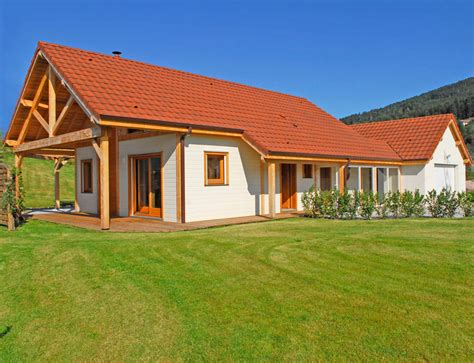 maison 3 chambres plain pied maison bois de plain pied avec étage aménageable nos