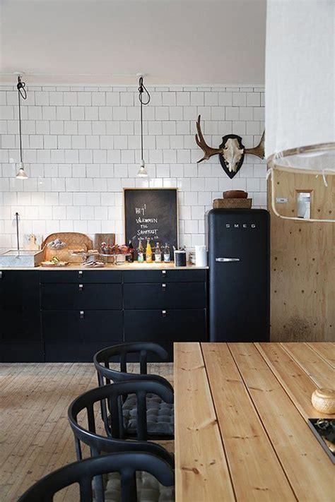tiled splashbacks for kitchens 25 best ideas about black kitchens on modern 6199