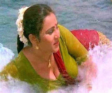 Actress Geetha Nude