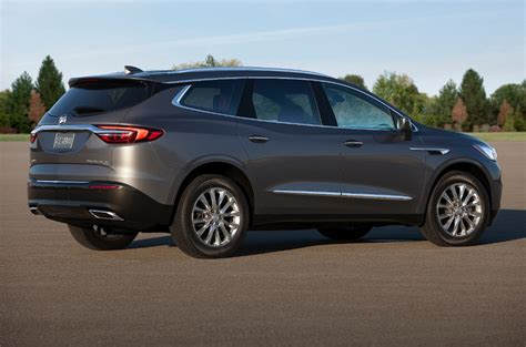 buick enclave reaching   heights  refinement