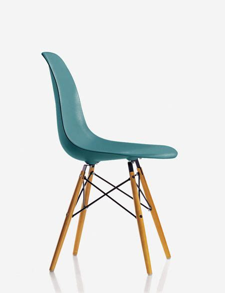 chaise eames grise 17 best ideas about salon bleu canard on bleu