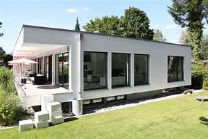 Bauhaus Architektur Merkmale : design h user in bauhaus architektur designhaus bauen ~ Frokenaadalensverden.com Haus und Dekorationen
