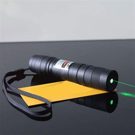 le torche laser vert 200mw le torche laser vert avec faisceau lumineux puissant