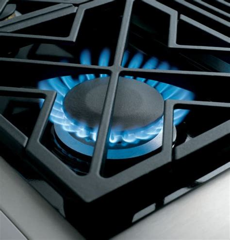 zgunpss monogram  pro style gas cooktop   burners natural gas stainless steel