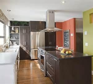 small galley kitchen design ideas aménagement cuisine aménager l 39 espace d 39 une cuisine